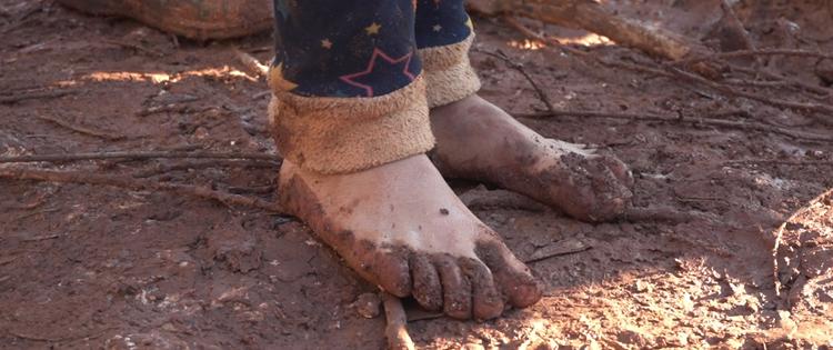 توفير الأحذية للاجئين